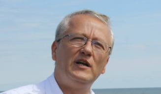 Mesajul unui cunoscut medic pentru protestatari: Sa va faca Tudor Chirila si Rares Bogdan endoscopie, clar?!