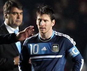 Messi, facut praf de seful lui Napoli: E un cretin!