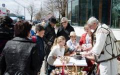 Mesterii de pe Valea Oltetului vin la Slatina. Atelierul de incondeiat oua se organizeaza in centrul orasului, la Vila Barbulescu