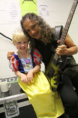 Metallica explica incidentul in care chitaristul a lovit un copil