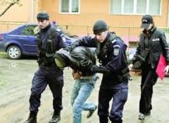 Metoda neobisnuita folosita de o femeie pentru a-i distrage atentia unui hot: i-a facut sex oral pana la venirea politistilor