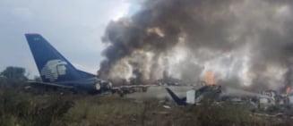 Mexic: Un avion de pasageri s-a prabusit si a luat foc imediat dupa decolare