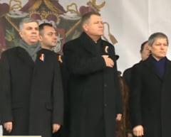 Mica Unire: Ce au spus Iohannis si Ciolos oamenilor adunati in Piata Unirii din Iasi (Foto&video)