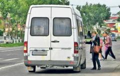 Microbuz fara licenta, depistat de politisti