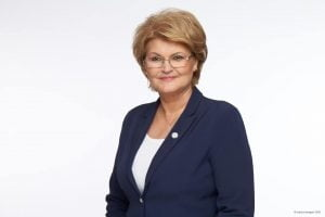"Mihaela Hunca deputat Pro Romania, candidat la presedintia Consiliului Judetean: ""Copiii, profesorii si parintii-ei sunt acum eroii nostri!"