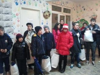Mihaela Radulescu, de la Monaco, la Petrila, cu ajutoare pentru copii