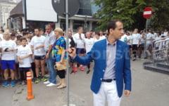 """Mihai Covaliu a dat startul Crosului Ziua Olimpica, de la Constanta """"E o placere sa vezi oameni care mentin traditia olimpica"""" (galerie foto + video)"""