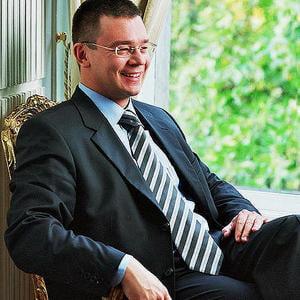 Mihai Razvan Ungureanu formeaza noul guvern - reactii ale politicienilor