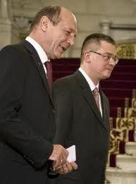 Mihai Razvan Ungureanu si-a dat demisia de la SIE