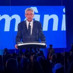 Mihai Tudose anunta ca Pro Romania incepe negocierile pentru a schimba guvernul actual cu unul de uniune nationala