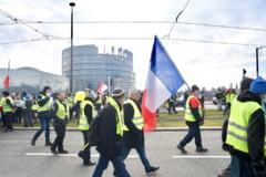 """Mii de """"veste galbene"""" au iesit in strada pentru a marca trei luni de la debutul protestelor"""