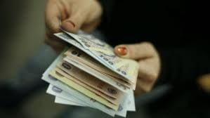 Mii de absolventi de liceu vor indemnizatie de somaj