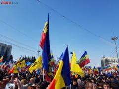 Mii de moldoveni protesteaza si ameninta cu actiuni drastice dupa anularea alegerilor din Chisinau (Video&Foto)