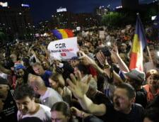 Mii de oameni au cerut in strada demisii si anticipate dupa decizia CCR in cazul Kovesi: CCR, sluga PSD! Codruta nu-i lasa! (Foto & Video)