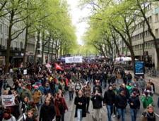 Mii de oameni au iesit in strada, la Berlin. Sunt nemultumiti de intrarea extremei drepte in Parlament