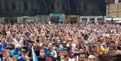 Mii de oameni au iesit pe strazi la Craiova pentru a sarbatori castigarea Cupei Romaniei. Fanii si cu fotbalistii au cantat impreuna in centrul orasului VIDEO