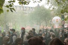 Mii de oameni au participat la proteste de Ziua Muncii. La Paris au fost arestate 34 de persoane VIDEO
