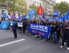 """Mii de politisti au participat la Paris la un """"mars al furiei"""": Sinuciderile si pensiile, pe lista problemelor cu care se confrunta"""