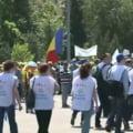 "Mii de profesori protesteaza in strada - in mars de la Guvern la Cotroceni: ""Huo pentru dom' profesor"""