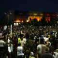 Mii de romani au cerut iar in strada demisia Guvernului Dancila si a lui Dragnea: PSD, ciuma rosie! (Galerie Foto & Video)