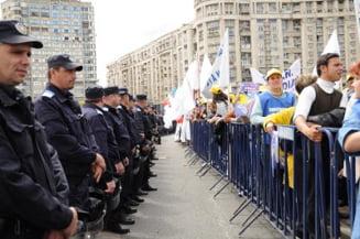 Mii de sindicalisti se duc luni la Parlament sa protesteze fata de masurile lui Boc
