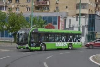 """Mijloacele de transport """"verzi"""" ale RATBV au parcurs 300.000 de kilometri in 3 luni"""