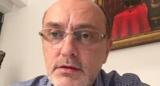 Milionarul Sorin Strutinsky, condamnat la 10 ani si 8 luni de inchisoare pentru o spaga de 2 milioane de euro. Sentinta este definitiva