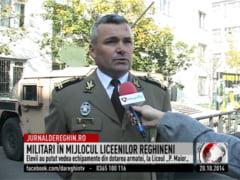 Militari in mijlocul liceenilor reghineni