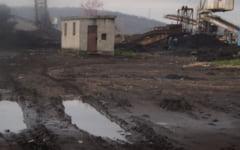 Minerii de la Cariera Husnicioara pleaca in somaj tehnic cu teama ca isi vor pierde locurile de munca peste trei luni
