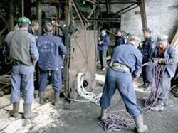 Minerii din Valea Jiului incep protestele cu o greva de avertisment