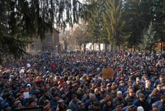 Minerii renunta la proteste pentru tichete cadou