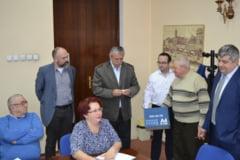 Mingile de ping-pong au stabilit ordinea pe buletinele de vot la Brasov