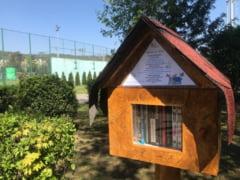Mini-biblioteci in aer liber, intr-un parc din Cluj-Napoca