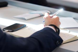 Ministerul Educatiei: 25 de elevi au obtinut media 10 la simularea Evaluarii Nationale. 65,6%, medii peste 5