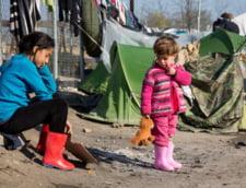 """Ministerul Educatiei, pregatit sa-i aduca pe copiii refugiatilor """"pas cu pas spre scolile de masa"""""""
