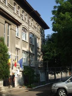 Ministerul Educatiei n-a gustat gluma profesorului de la Vianu: Tezele vor fi reevaluate