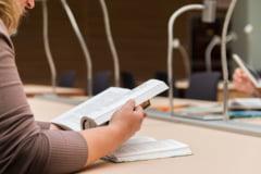 Ministerul Sanatatii inaspreste organizarea examenului de grad pentru asistentii medicali si moase