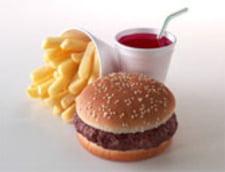 Ministerul Sanatatii vrea sa introduca taxa pe fast food (Video)