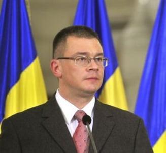 Ministrii lui Ungureanu trec prin comisii si fara cvorum. Neavizatii, recomandati calduros
