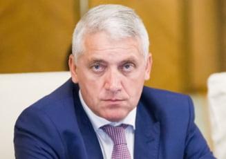 Ministrul Apararii si-a dat demisia