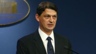 Ministrul Berca si-a concediat un consilier si le-a inlocuit celorlalti masinile de lux