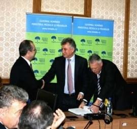 Ministrul Borbely a semnat proiectul pentru groapa de gunoi de la Stauceni