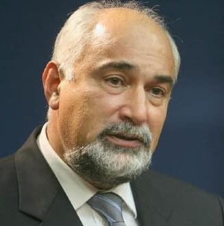 Ministrul Botis si-a dat demisia - vezi reactii politice