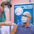 Ministrul Cseke Attila şi vicepremierul Kelemen Hunor s-au imunizat cu a treia doză de vaccin