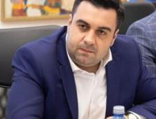 Ministrul Cuc se razboieste cu strainii: Nu stam in genunchi in fata unora care au venit in Romania cu doua laptopuri si o mapa