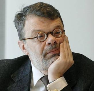 Ministrul Culturii, Daniel Barbu, pazit de o echipa a SPP