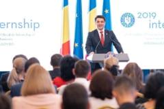 """Ministrul Culturii i-a cerut demisia sefului de la Muzeul """"Constantin Brancusi"""" dupa niste postari pe Facebook"""