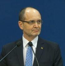 Ministrul Curaj a cerut sa nu mai fie platit de academia infiintata de Oprea, dar ramane membru