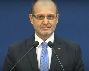 Ministrul Curaj spune ca a donat banii primiti de la Academia lui Oprea