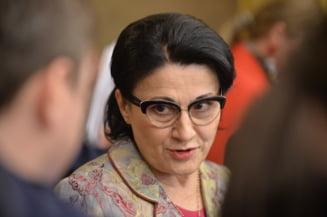 Ministrul Ecaterina Andronescu spune ca sporurile se decupleaza de salarii de la 1 ianuarie 2019